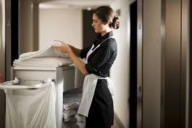 femme de chambre hotel services hotel ève hôtel excelsior à proximité du lac lé