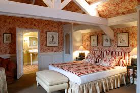 Old Fashioned White Bedroom Furniture Elegant Bedroom Design Traditional Old Fashioned With Wooden Floor