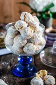 pretend your nonna made these italian christmas cookies christmas