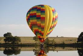 balloons that float why does a hot air balloon float rohr balloons