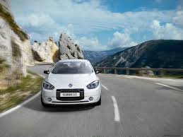 renault fluence ze 2012 renault fluence z e battery swapping electric car coming to