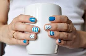 trendy summer nails u2013 nautical and beach inspired nail art ideas