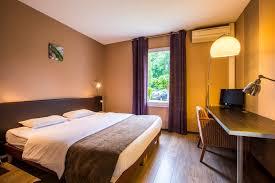 hotel avec service en chambre hotel à mont de marsan dans les landes le renaissance