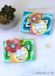 bursting for spring gift idea with free printable tag