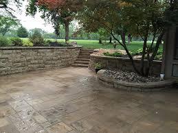 how to install paver patio custom paver patios in kansas city supreme green landworks