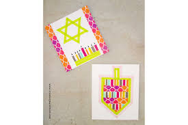 easy hanukkah crafts for kids reader u0027s digest