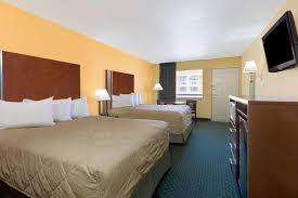 Comfort Suites Seaworld San Antonio Hotel Ramada Sea World Area San Antonio Tx Booking Com
