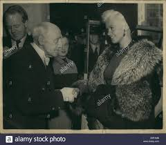 jayne mansfield house sep 09 1957 jayne mansfield visits mansion house photo shows