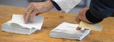 bureau de vote tours présidentielle jeunes seniors ouvriers cadres chômeurs qui