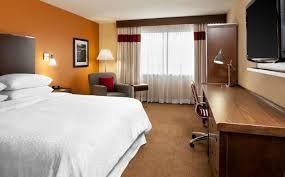 chambre de luxe avec chambre de luxe avec très grand lit four points edmundston