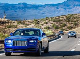 rolls royce wraith blue what it u0027s like to drive a us370 000 rolls royce through the