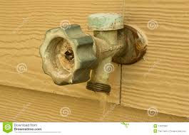 Leaking Outside Faucet Handle 100 Leaking Outside Faucet Handle How To Fix A Broken Pipe