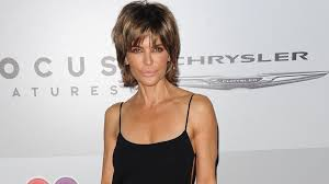 how does lisa rinna cut her hair rhobh star lisa rinna blasts rumors she suffers from an eating