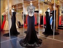 gã nstige designer kleider die besten 25 black tie gown ideen auf schwarze