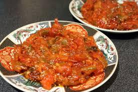 cuisiner le poivron mechouia improvisée compotée de tomates et poivrons grillés chez