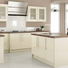 Painting High Gloss Kitchen Cabinets Best 25 Cream Gloss Kitchen Ideas On Pinterest Gloss Kitchen