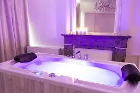 chambre baignoire balneo dans la chambre blanche picture of liege