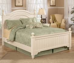 Bedroom Sets Norfolk Va Signature Design By Ashley Cottage Retreat Queen Size Poster Bed