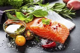 mediterranean diet beats low fat diet for long term weight loss