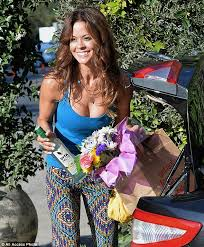 hairstyles suitable for 42 year old woman brooke burke charvet cuts off her long hair in favour of an edgy