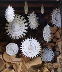 snowflake decorations 44 amazing christmas snowflake decorating ideas