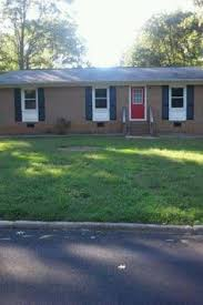 3 Bedroom House For Rent Section 8 Boring Brick Ranch Plain 1950s Brick Ranch W White Trim Needs