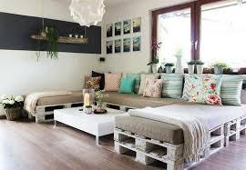 canapé en bois de palette canapé en palette de bois maison design brico palettes en bois