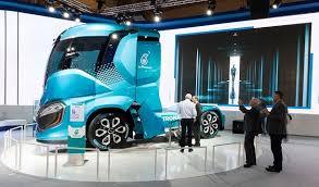 poids si e auto l iveco z truck un pas de plus vers l avenir du secteur poids