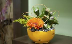 Diy Table Decorations Summer Decorating Ideas With Ice Flowers And Fruits On The Rocks