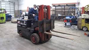 yale 6000 pound triple mast forklift youtube