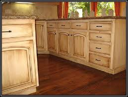 Best 10 Wood Stain Ideas On Pinterest Staining Wood Furniture by 31 Best Staining Kitchen Cabinets Images On Pinterest Staining