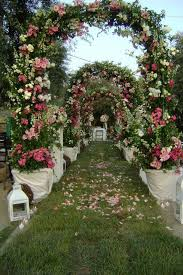 wedding arches chicago decorating arches for weddings via bridal expo chicago milwaukee