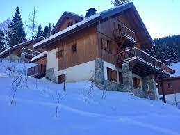 chalet 6 chambres beau chalet de 6 chambres à côté de la piste de ski au coeur du