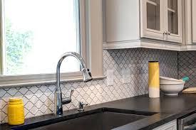 porcelain tile backsplash kitchen arabesque tile backsplash pretty arabesque tile in kitchen