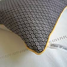 couture coussin canapé housse de coussin graphique vagues japonaises noir et blanc