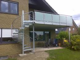 balkon mit treppe treppen aussen