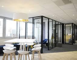 amenagement bureaux aménager des bureaux avec des cloisons modulables et vitrées