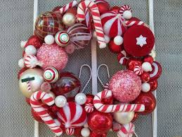Outdoor Christmas Window Decorations Ideas by 20 Best Outdoor Christmas Wreath Images On Pinterest Christmas