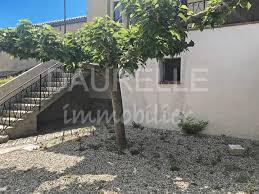 location maison 4 chambres location maison 4 pièces à eyragues avec terrasse cour et garage