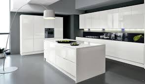 modele cuisine avec ilot cuisine quipe complete great trendy cuisine hubo cuisine quipe
