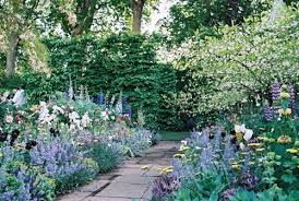 the english cottage how to create an english cottage garden