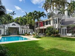 Beach House Backyard A Classic Palm Beach Home For Sale