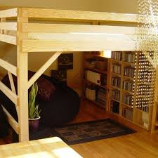 Build A Loft Bed With Storage by Best 25 King Size Bunk Bed Ideas On Pinterest Bunk Bed King