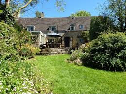cotswolds cottage green cottage spacious historic 17th century cotswolds cottage