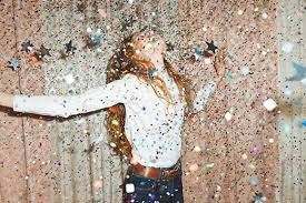 New Years Decorations Ideas by How To Throw A Fancy New Year U0027s Eve Party Nye Party Free People