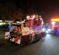 light parade brings holiday cheer to paso robles paso robles