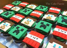 minecraft cupcakes chocolate cupcakes with minecraft creepers steve and tnt fondant