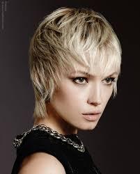 full forward short hair styles short blonde hair that falls forward to surround the face