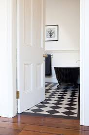 white and black bathroom ideas best 25 black and white flooring ideas on black and