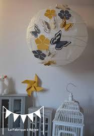 abat jour chambre bébé luminaire suspension abat jour papillons fleurs gris jaune